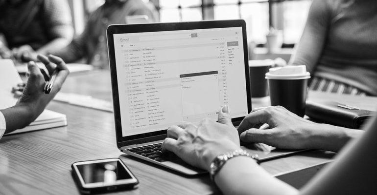E-Mails verschlüsseln: Warum der Versand nicht sicher ist